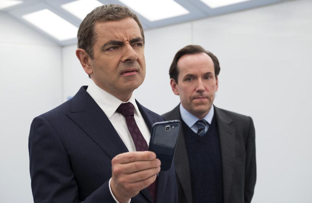 パロディの域を超えた!? 007のボンドガールまで出演『ジョニー・イングリッシュ アナログの逆襲』
