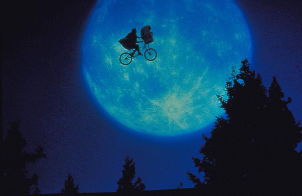 巨匠スピルバーグ監督が世界中を涙させたSFファンタジーの名作!