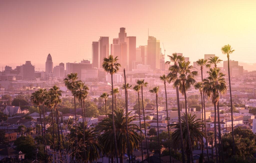 50年代のLAの裏側を描いたフィルム・ノワールの名作と名高い『L.A.コンフィデンシャル』